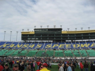 2013 kansas 400 nascar race packages and tours (3)