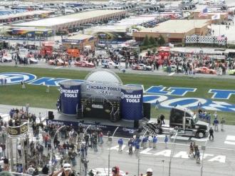 2011 atlanta kobalt tools 500 nascar race packages and tours (7)