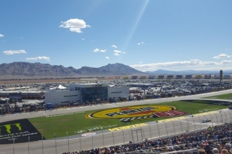 2019 las vegas nascar packages and race tours las vegas for Hotels close to las vegas motor speedway
